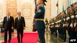 Қозоғистон Президенти Нурсултон Назарбоев ва Франция Президенти Франсуа Олланд.