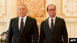 Қазақстан президенті Нұрсұлтан Назарбаев (сол жақта) пен Франция президенті Франсуа Олланд. Астана, 5 желтоқсан 2014 жыл.