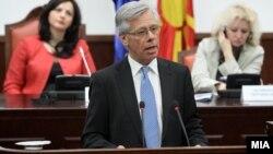 Komisari i lartë i OSBE-së, për pakicat kombëtare, Knut Volebek.