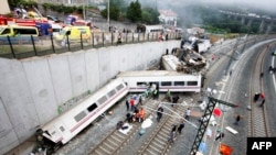 На месте крушения поезда. Сантьяго-де-Компостела, 25 июля 2013 года.