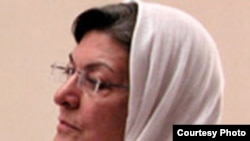خدیجه مقدم از فعالان حقوق زنان.