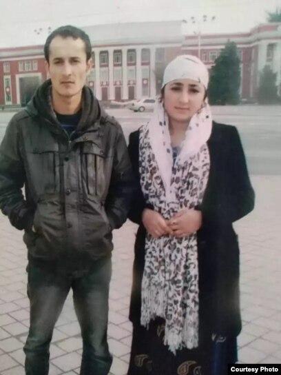 Диловаршо Шарипов и его жена Хайрулло Кумринисои