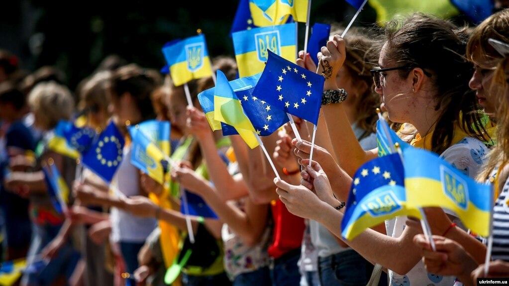 Отныне граждане Украины могут ездить в Евросоюз без визы