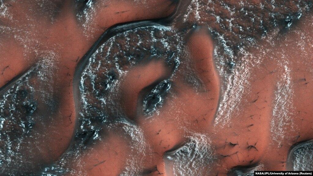 تصویربرداری با وضوح بالا توسط مدارگرد آژانس فضایی آمریکا، «ناسا»، از مریخ