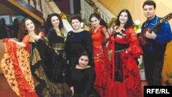 8-апреля отмечается Международный день цыган.