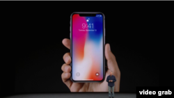 iPhone-X смартфони.