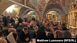 Polaznici kluba Petar i Fevronija se upoznaju u Uspenskoj crkvi u Moskvi