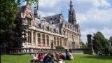 Universitatea Liberă a Belgiei.