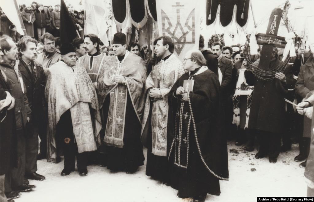 Відспівали дисидентів у Свято-Покровській церкві на Куренівці