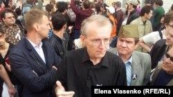 Олег Шеин и его сторонники, Астрахань, 14 апреля 2012