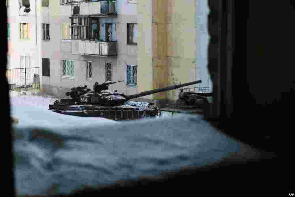 Авдеевканың іргесінде артиллерия мен минометтерден атқылап жатыр.