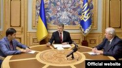 Колишній перший заступник генпрокурора Давид Сакварелідзе, президент України Петро Порошенко та екс-генпрокурор Віктор Шокін (зліва направо), архівне фото