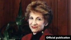 Լուիզ Մանուկյան-Սիմոն, լուսանկարը՝ ՀԲԸՄ պաշտոնական կայքէջից