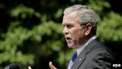 На конференции в Праге Буш выразит обеспокоенность ситуацией в России