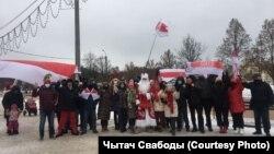 Білоруси продовжують протести у формі районних маршів