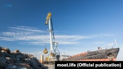 Доставка вантажів для будівництва Керченського мосту