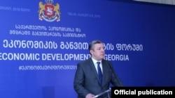 Грузия не намерена повторять чей-то путь, ей нужна собственная модель и в ее создании Грузии помогут лучшие экономисты, заявил премьер-министр Георгий Квирикашвили, открывая мероприятие
