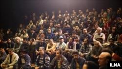 گردهمایی اعتراضی اهالی تئاتر با حضور بیش از ۳۰۰ نفردر عمارت خانه تئاتربرگزار شد