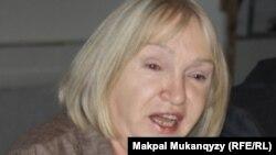 """""""Әділ сөз"""" баспасөз құқығын қорғау ұйымының жетекшісі Тамара Калеева."""