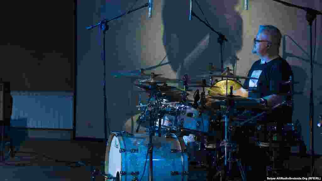 Барабанщик польського рок-гурту Karbido