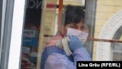 Taxatoare într-un troleibuz din Chișinău, în plină epidemie de coronavirus, Chisinau, 24 martie 2020