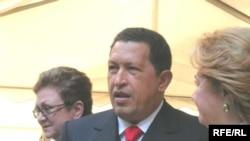 نتایج اولیه حاکی از پیروزی چاوز در انتخابات است