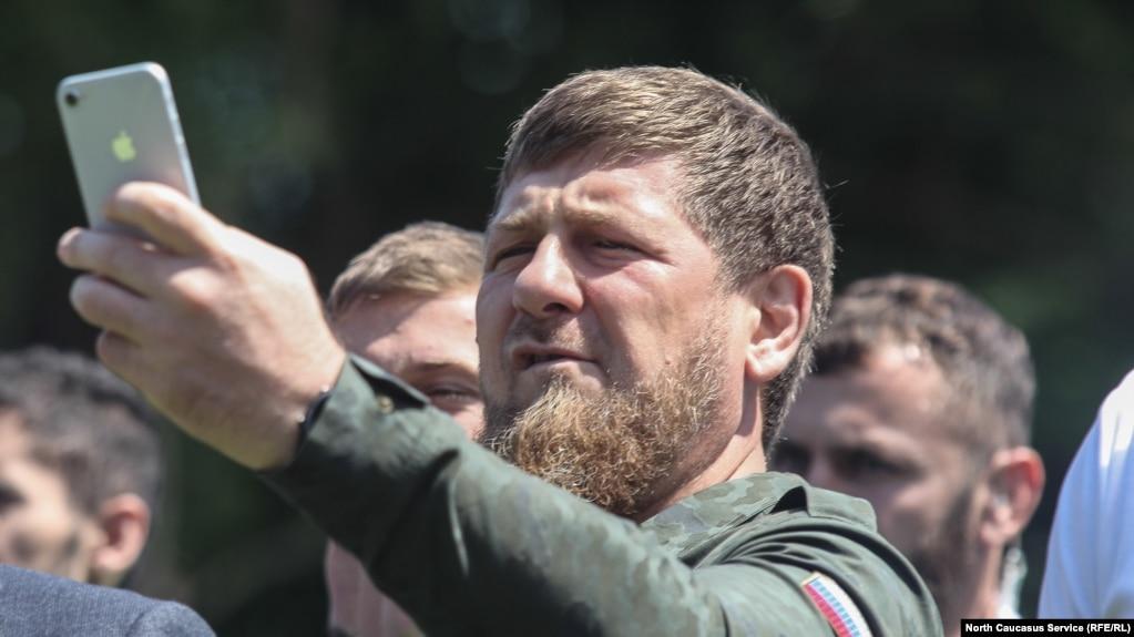 Ингушский старейшина назвал Кадырова пастухом. Глава Чечни приехал к нему за извинениями