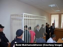 Подсудимые в зале суда