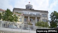 Административное здание на улице Советской, 61