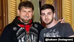 """14 июля Бакаев разместил фотографию с Рамзаном Кадыровым и подписью """"Вместо тысячи слов"""""""