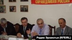 """МахIачхъалаялда """"Справедливая Россия"""" партиялъул пресс-конференцияб 24Aпр2013"""