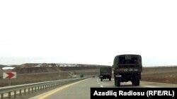 Qubaya gedən hərbi maşınlar