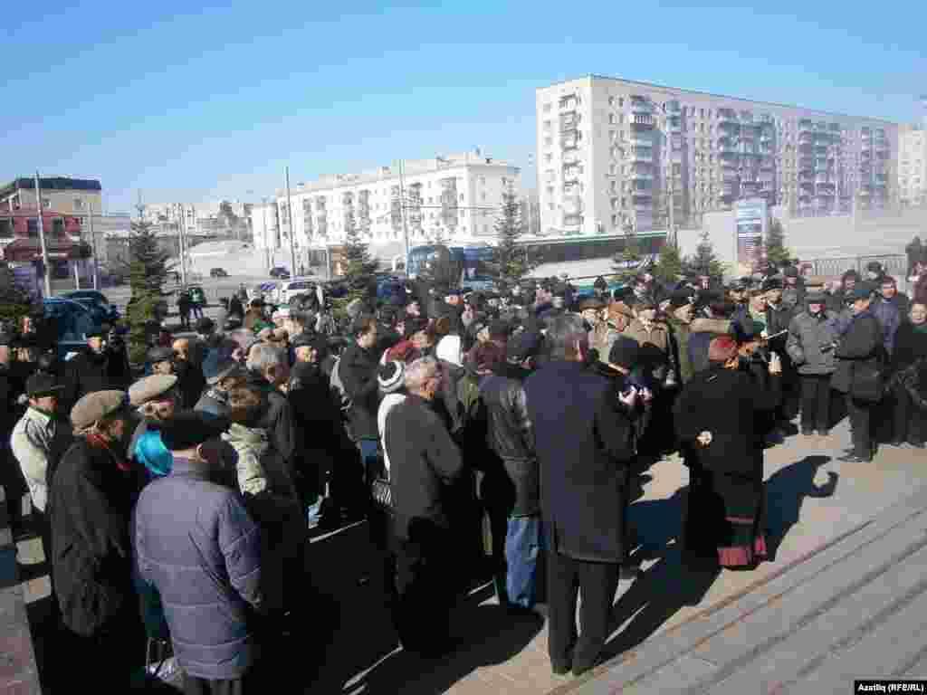 Татар иҗтимагый үзәгенең 25 еллык корылтае урамда уза.