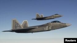 Зьнішчальнікі F-22 ВПС ЗША, ілюстрацыйнае фота