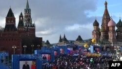 Мітинг і концерт з нагоди другої річниці анексії Криму Росією. Москва, Красна площа, 18 березня 2016 року