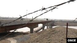 Мост через реку Пяндж на таджикско-афганской границе. Архивное фото