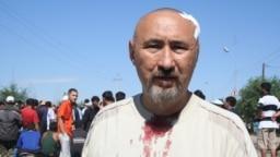 Арон Атабек во время Шаныракских событий 14 июля 2006 года. В октябре 2007 года его приговорили к 18 годам тюрьмы