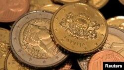 Обмен латов на евро будет производиться по курсу, установленному еще девять лет назад