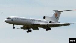 در تصویر یک هواپیمای توپولف ۱۵۴ دیده میشود. این عکس ارتباطی به هواپیمای ناپدیدشده ندارد.