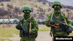 Российские солдаты в Перевальном. Крым, 4 марта 2014 года