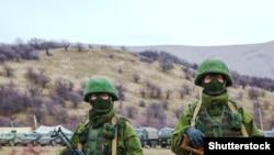Військові без розпізнавальних знаків в Криму 4 березня 2014 року