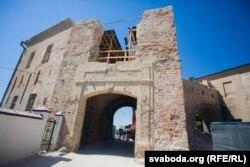 Стары замак аднаўлялі Вітаўт, Стэфан Баторы і Ўладзімер Бачкоў