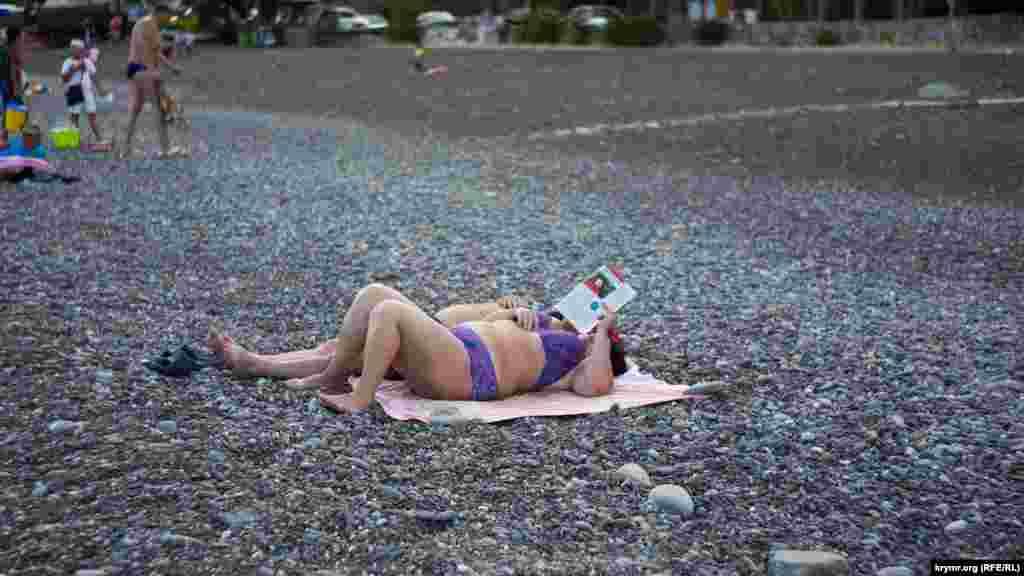 До аннексии Крыма Россией пляж в Рыбачьем был переполнен туристами