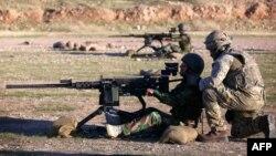 Forcat britanike duke trajnuar forcat kurde të Irakut.