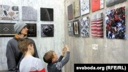 На адкрыцьці выставы Міхала Анемпадыстава «Колер Беларусі»