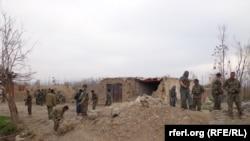 آرشیف، نیروهای امنیتی افغان در حال اجرای یک عملیات نظامی در بغلان