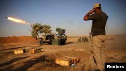 """Ирак -- """"Ислам мамлекетининин"""" жоочуларына каршы согушкан шиит аскерлери Тикритке жакын Бо Хасан кыштагында. 12-сентябрь, 2014."""