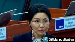 Элвира Сурабалдиева.