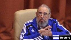 Ozalky prezident Fidel Kastro Kommunistik partiýanyň gurultaýyna gatnaşýar, 19-njy aprel, 2016 ý. Hawana