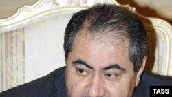 آقای زیباری می گوید: عراق با ارسال نامه ای رسمی از سازمان ملل خواسته است که حضور نيروهای آمريکايی در عراق را تمدید کند.
